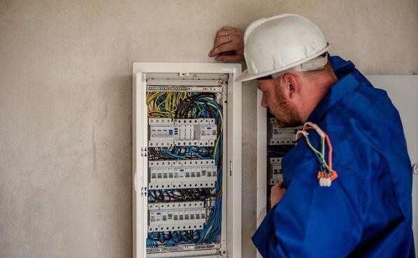 Combien coûte la mise en conformité d'une installation électrique ?