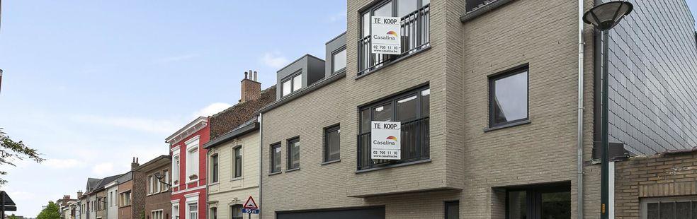 CASALINA Real Estate stelt TE KOOP : 4 appartementen in het centrum van Zaventem. Investeringsproject op wandelafstand van de luchthaven en station. Prijzen vanaf 215.000 €. Deze nieuwe appartementen liggen op 100 m van het centrum van Zaventem, winkels